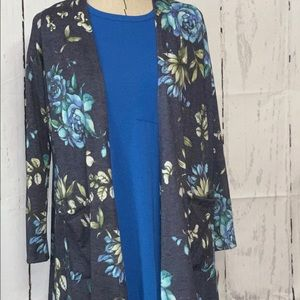 LuLaRoe Outfit - S Sarah / S solid Carly
